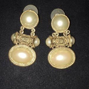 Stunning 1928 faux pearl earrings